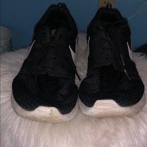 Men's black Nikes